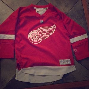 Detroit Redwings jersey for boys